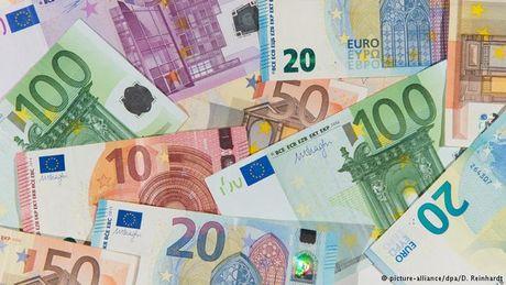 Chu tich ECB va nhung tuyen bo noi tieng nhat 5 nam qua - Anh 1
