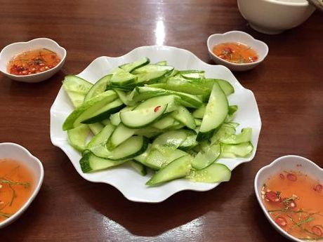 Thuong thuc chan ga chien mam thom ngon, gion gium pho Hue - Anh 4