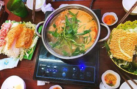 Thuong thuc chan ga chien mam thom ngon, gion gium pho Hue - Anh 6