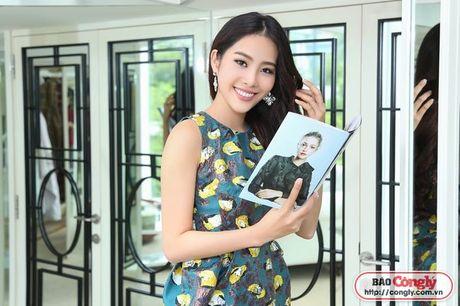 Nam Em tat bat voi Vietnam International Fashion Week Thu - Dong - Anh 2