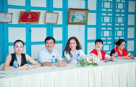 A hau Phuong Le gian di so mi trang di tu thien - Anh 1