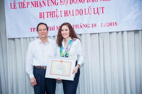 A hau Phuong Le gian di so mi trang di tu thien - Anh 3