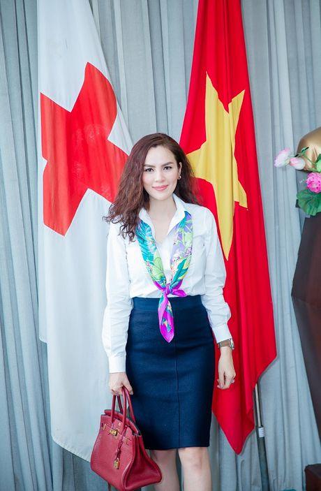 A hau Phuong Le gian di so mi trang di tu thien - Anh 7