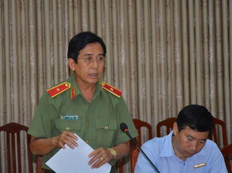 Thu truong Pham Dung tham va lam viec tai Cong an Dong Thap - Anh 2