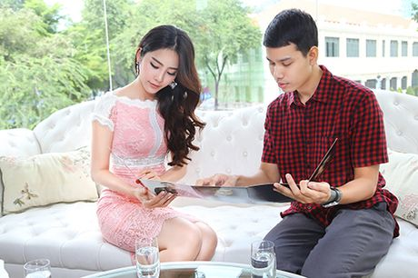 "Nam Em chay show ""khong kip tho"" sau Hoa hau Trai dat - Anh 3"