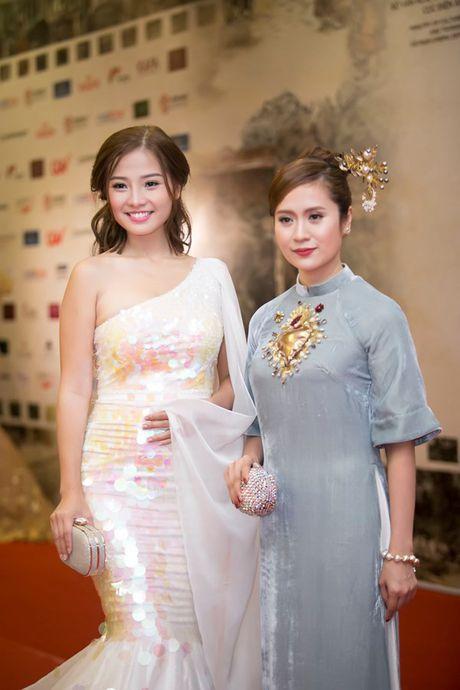 Ly Nha Ky doi vuong mien kim cuong 21 carat du LHP quoc te Ha Noi - Anh 14