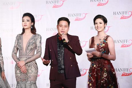Ly Nha Ky doi vuong mien kim cuong 21 carat du LHP quoc te Ha Noi - Anh 18