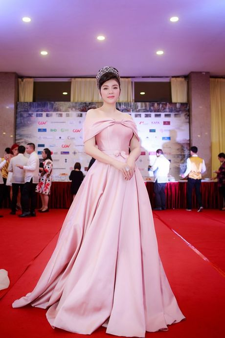 Ly Nha Ky doi vuong mien kim cuong 21 carat du LHP quoc te Ha Noi - Anh 2