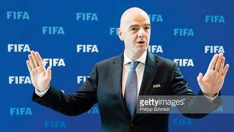 Giai thuong FIFA canh tranh voi Qua bong vang - Anh 1
