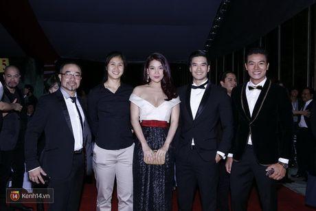 'Soc' voi trang phuc 'ho bao' cua Angela Phuong Trinh tren tham do - Anh 9