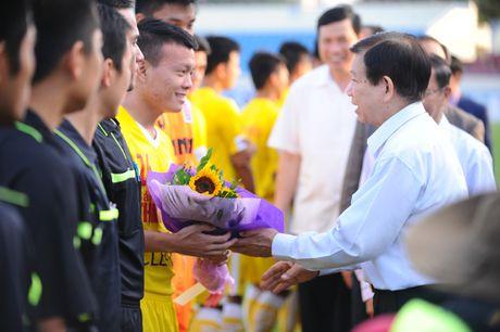 Nguyen Chu tich nuoc Nguyen Minh Triet den du khan tran chung ket U.21 Bao Thanh nien - Anh 6