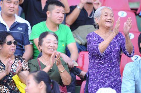 Nguyen Chu tich nuoc Nguyen Minh Triet den du khan tran chung ket U.21 Bao Thanh nien - Anh 8