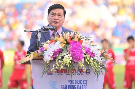 Nguyen Chu tich nuoc Nguyen Minh Triet den du khan tran chung ket U.21 Bao Thanh nien - Anh 2