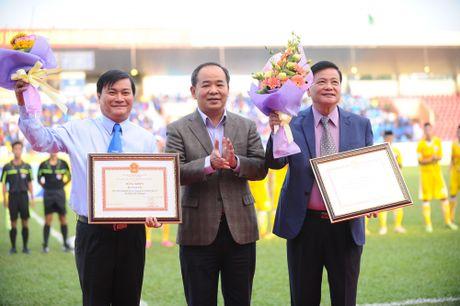 Nguyen Chu tich nuoc Nguyen Minh Triet den du khan tran chung ket U.21 Bao Thanh nien - Anh 3