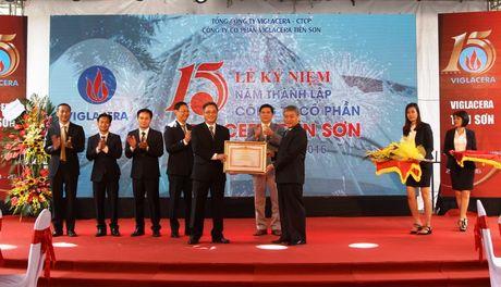 Viglacera Tien Son don nhan Bang khen cua Thu tuong - Anh 1