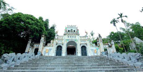 Ki bi gieng nuoc co coc ngoi canh khong bao gio can - Anh 1