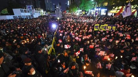Be boi ban than Tong thong Han Quoc: Mot loat doanh nghiep bi lien doi - Anh 3