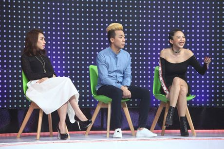 Vang Hari Won, Tran Thanh tay trong tay cung Toc Tien - Anh 1