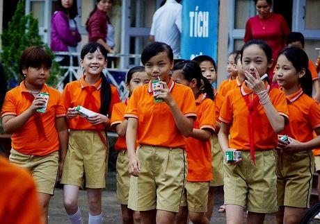 Vinamilk di dau trong chuong trinh Sua hoc duong, vi mot Viet Nam vuon cao - Anh 5