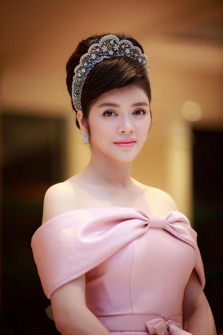 Ly Nha Ky 'dep quen sau' lan at dan my nhan tren tham do LHP Quoc te Ha Noi - Anh 12