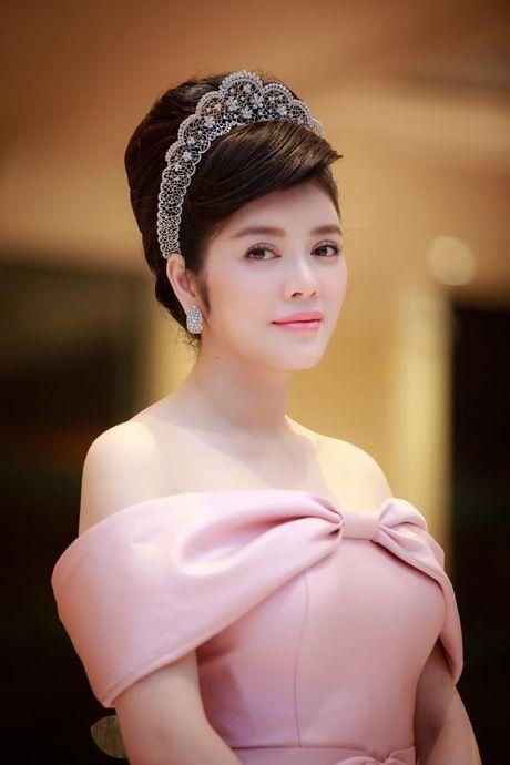 Ly Nha Ky 'dep quen sau' lan at dan my nhan tren tham do LHP Quoc te Ha Noi - Anh 13