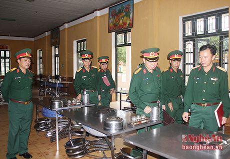 Bo Tu lenh Quan khu 4 kiem tra toan dien Su doan 324 - Anh 1