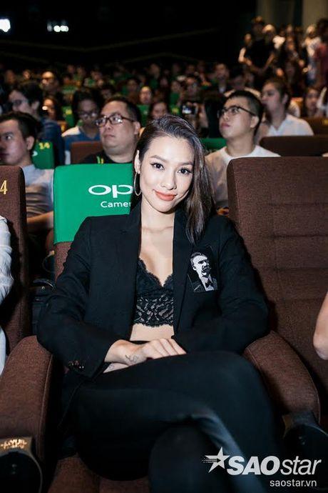 Ha Ho tuoi tan tai ngo Lan Khue va tro cung The Face ngay ra mat phim ca nhac - Anh 10