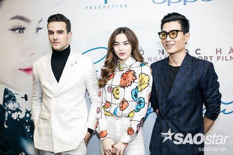 Ha Ho tuoi tan tai ngo Lan Khue va tro cung The Face ngay ra mat phim ca nhac - Anh 1