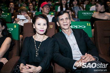 Ha Ho tuoi tan tai ngo Lan Khue va tro cung The Face ngay ra mat phim ca nhac - Anh 8
