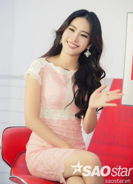 Nam Em quay het co, trai long hanh trinh 24 ngay 'vuot len chinh minh' tai Miss Earth - Anh 1