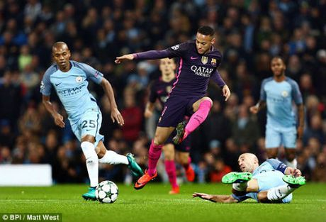 Man City 3-1 Barcelona: Thanh toan song phang no nan - Anh 1