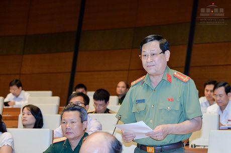Dai bieu Quoc hoi: Danh gia cao phuong cham hanh dong cua Chinh phu - Anh 1
