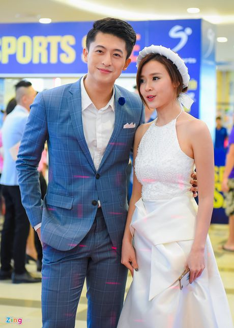 Tran Thanh nhan gach da vi mac vay; Angela Phuong Trinh goi cam lan at Ly Nha Ky - Anh 10