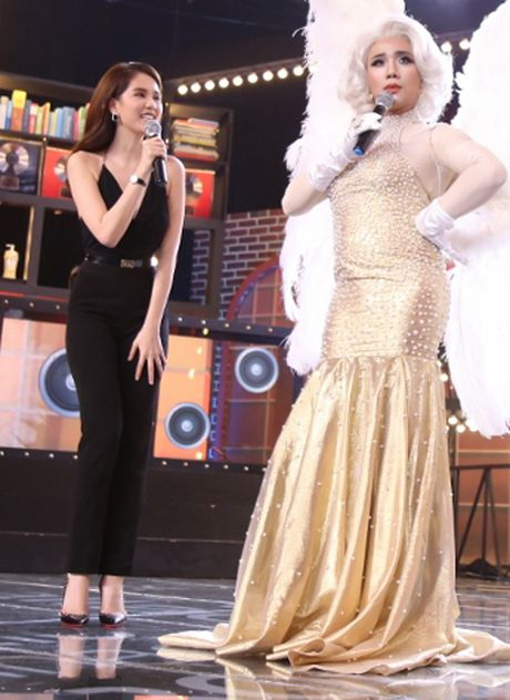 Tran Thanh nhan gach da vi mac vay; Angela Phuong Trinh goi cam lan at Ly Nha Ky - Anh 6