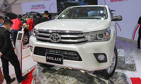 Toyota Hilux 2016 gia tu 697 trieu, quyet dau Ford Ranger - Anh 1