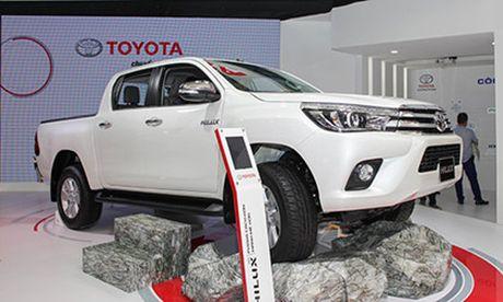 Toyota Hilux 2016 gia tu 697 trieu, quyet dau Ford Ranger - Anh 2