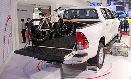 Toyota Hilux 2016 gia tu 697 trieu, quyet dau Ford Ranger - Anh 4