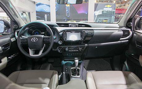 Toyota Hilux 2016 gia tu 697 trieu, quyet dau Ford Ranger - Anh 5