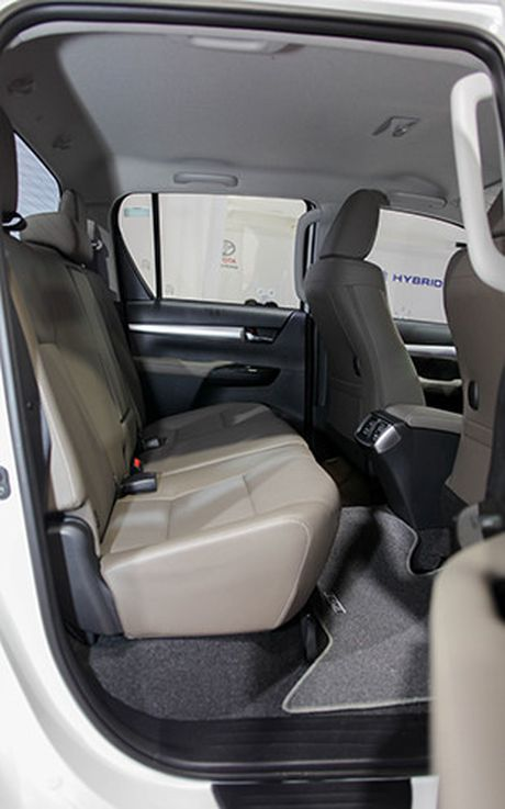 Toyota Hilux 2016 gia tu 697 trieu, quyet dau Ford Ranger - Anh 7