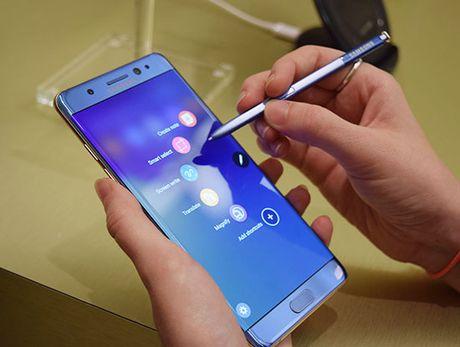 Xuat khau dien thoai giam khong dang ke vi su co Galaxy Note 7 - Anh 1