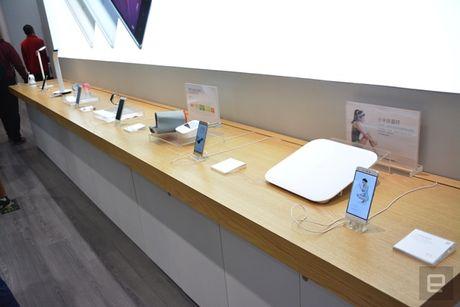 Co gi ben trong cua hang vat ly nhai Apple cua Xiaomi? - Anh 22