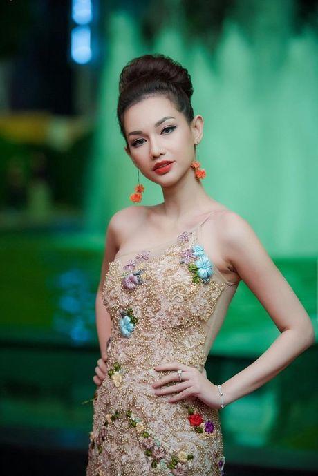 Showbiz Viet do bo tham do LHP quoc te Ha Noi - Anh 8