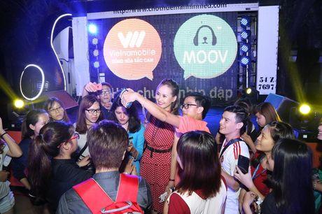 A hau Vo Hoang Yen 'Hoa chung nhip dap' cung sinh vien - Anh 3