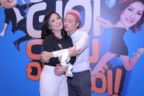 'On gioi cau day roi!': Hong Dao thay the Viet Huong - Anh 1
