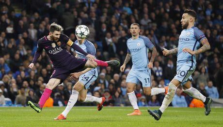 Messi mo ty so, Barca van thua nguoc 1-3 Man City - Anh 13