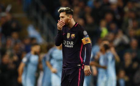 Messi mo ty so, Barca van thua nguoc 1-3 Man City - Anh 8