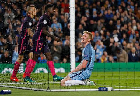 Messi mo ty so, Barca van thua nguoc 1-3 Man City - Anh 9