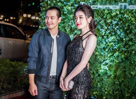 A hau Huyen My goi cam ben MC Phan Anh - Anh 5