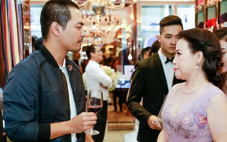 MC Phan Anh lan dau du su kien sau hoat dong thien nguyen - Anh 5