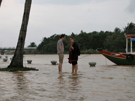 Quang Nam: Nuoc lut nhan chim nhieu tuyen pho co Hoi An - Anh 3